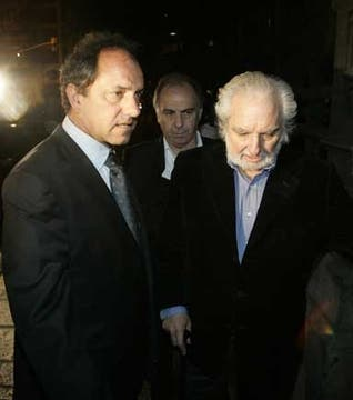 El gobernador bonaerense, Daniel Scioli, llegó al Congreso junto a Pacho O Donell. Foto: DyN