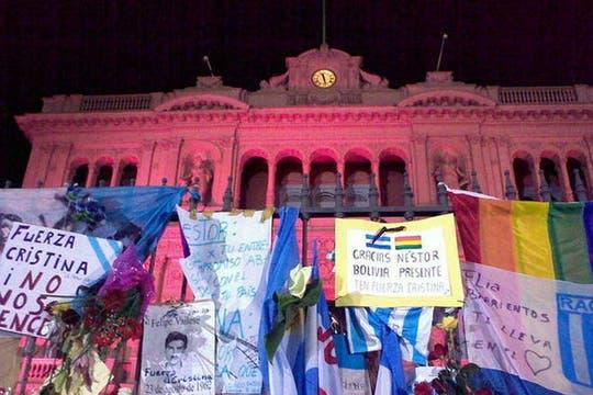 Miles de personas rinden homenaje al ex presidente Néstor Kirchner. Foto: LA NACION / Sol Amaya