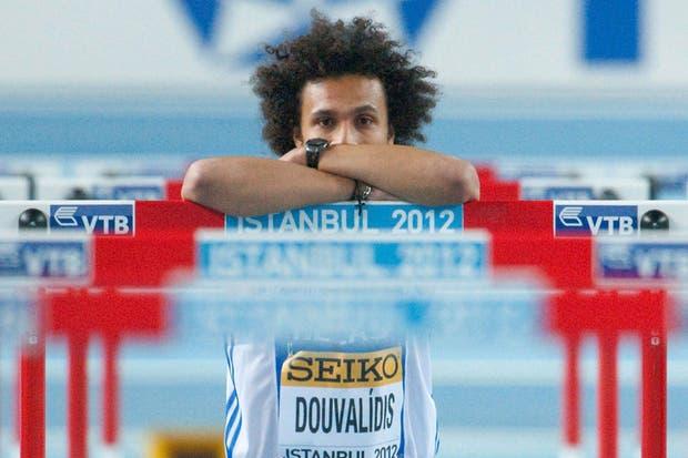El atleta griego, Konstadinos Duvalidis, tras fallar una salida en los 60m con vallas.  Foto:AFP /AP, Reuters y EFE