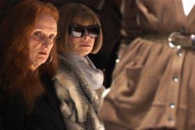 Coddington, junto a Wintour, en la primera fila de un desfile neoyorquino