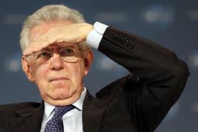 El primer italiano, Mario Monti, en una conferencia en Canes el jueves pasado