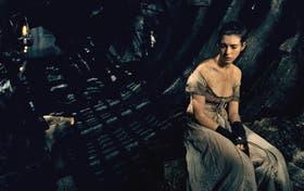 """Anne Hathaway es el corazón de esta traslación del éxito musical: el """"I Dreamed A Dream"""" de su Fantine es memorable"""