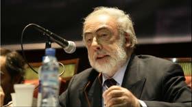 Barcesat denunció penalmente a Macri por los DNU