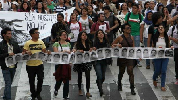 Una de las tantas marchas de reclamo de justicia por los estudiantes asesinados