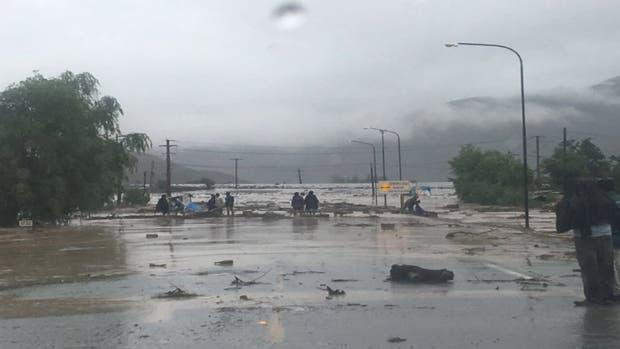 Dos muertos en la localidad de Volcán de la provincia de Jujuy a causa de un alud.