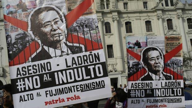 El indulto a Fujimori, condenado por crímenes de lesa humanidad y corrupción, divide a Perú