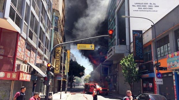 Siete dotaciones de Bomberos controlaron un incendio — Once