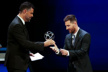 Lionel Messi fue premiado como mejor delantero de la Champions pasada.