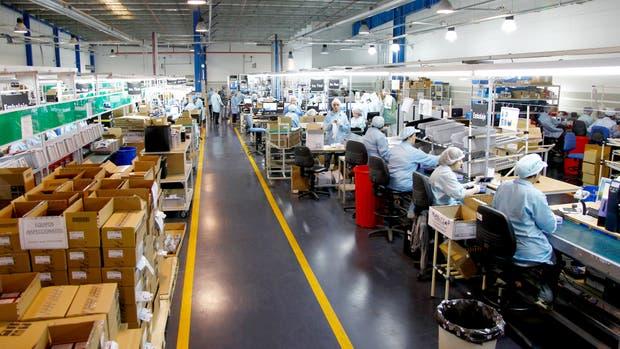 La producción industrial registró en junio un incremento interanual del 6,4%