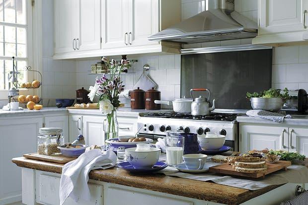 Diez ideas para repensar tu cocina living espacio living - Planificar una cocina ...