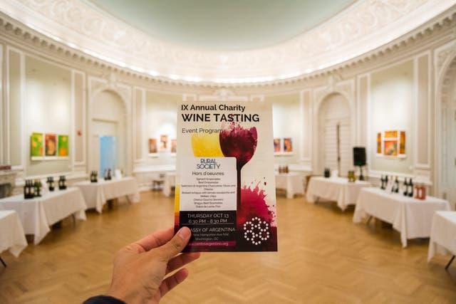 Evento de recaudación: el Centro Argentino en Washington realiza su evento de recaudación anual en la embajada argentina, que les presta el espacio