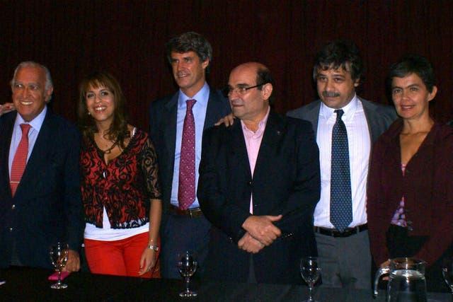 Ricardo Gil Lavedra (UCR), Victoria Donda (FAP), Alfonso Prat-Gay (Coalición Cívica), Sergio Abrevaya y José Luis Ludueña (Podes), y María Eugenia Estenssoro (Coalición Cívica - ARI)
