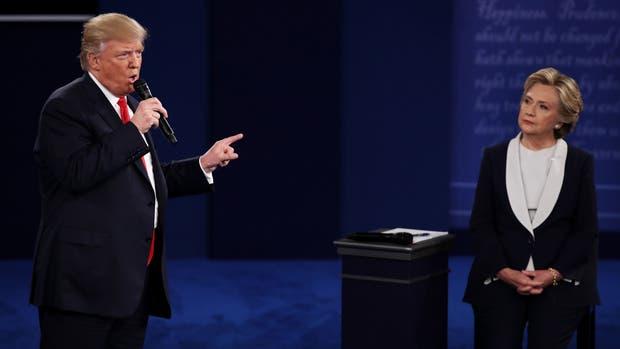 La primera encuesta tras el debate señaló a Hillary Clinton como la ganadora del encuentro