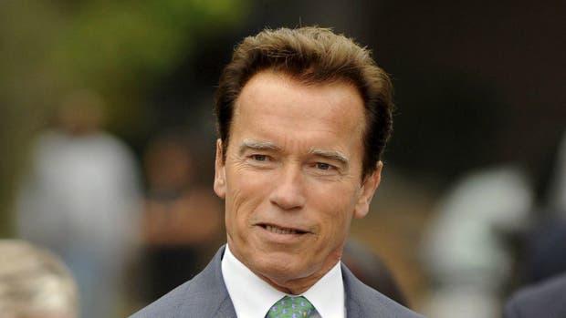 Schwarzenegger a Trump: Rechaza el apoyo de supremacistas blancos