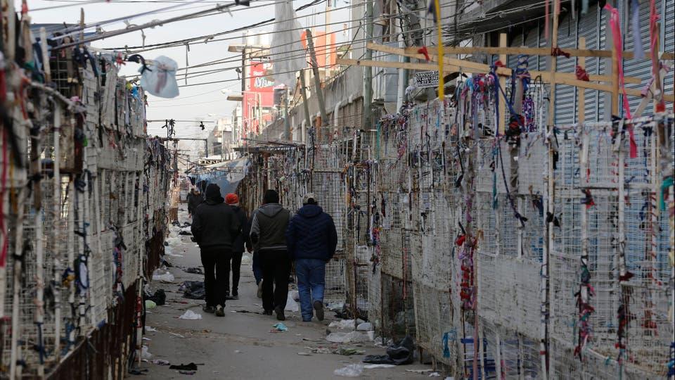 Un día de tensión e incertidumbre para los puesteros de la feria. Foto: LA NACION / Ricardo Pristupluk