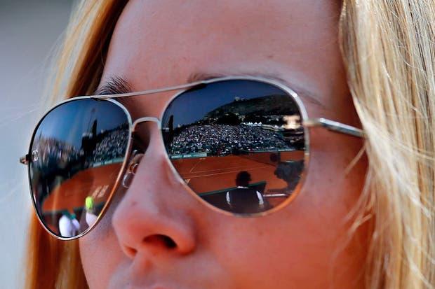 Hoy abrimos con una flashera reflejada.  Foto:AFP