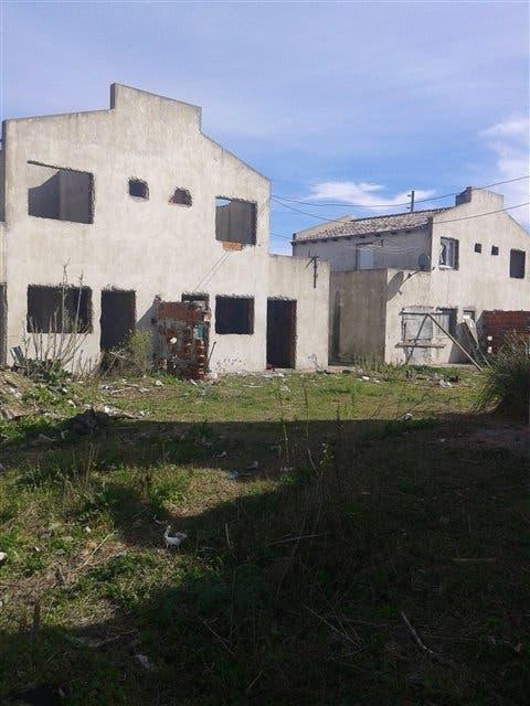 Construcciones a medio hacer, cerca de La Plata