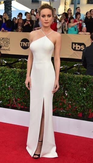 Brie Larson despertó suspiros con un ceñido diseño de Jason Wu. Foto: AGENCIAS