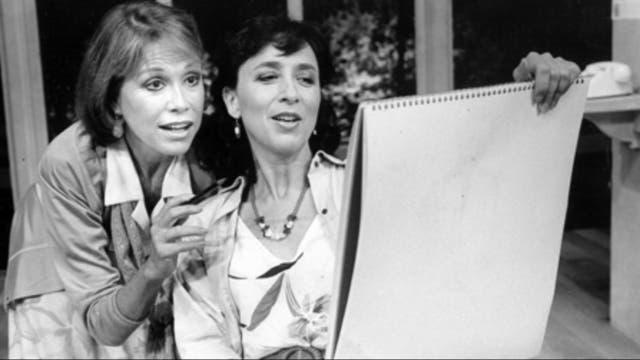 Mary Tyler Moore, sobre las tablas en la obra Sweet Sue