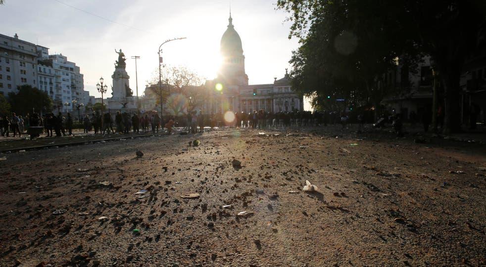 El Gobierno quiere que las organizaciones sociales paguen por los destrozos en el Congreso