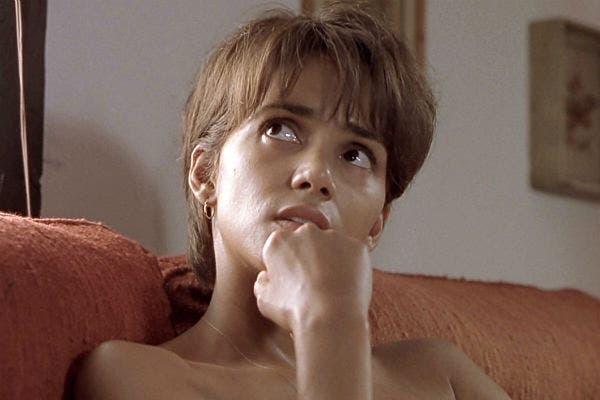 Halle Berry en una actuación que le valió el Oscar en Monsters Ball