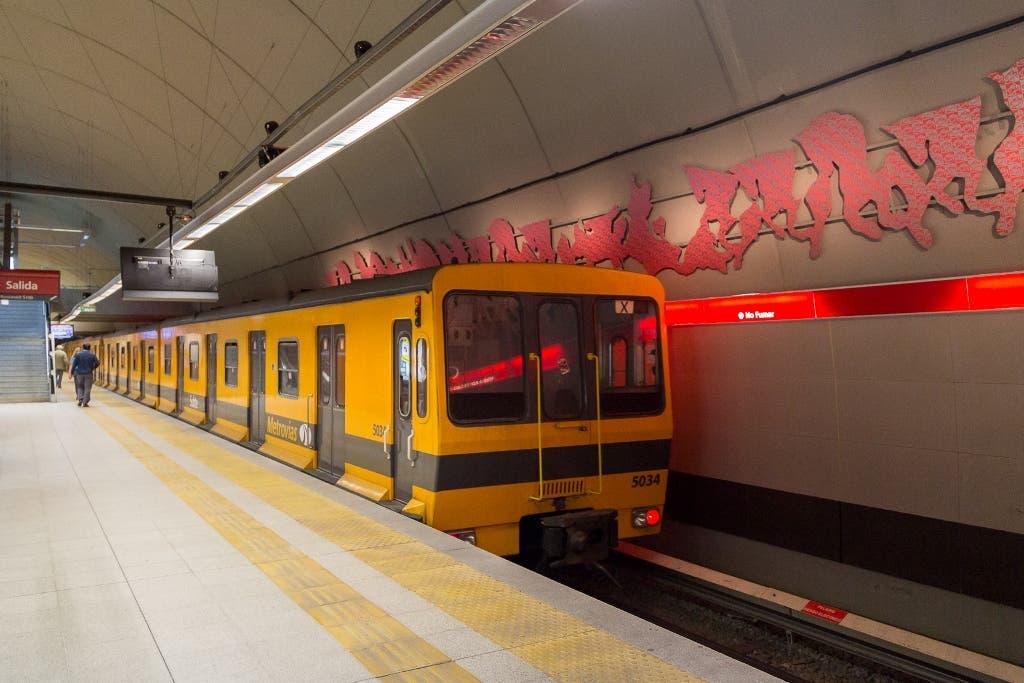 Subte B: retiran trenes porque tienen material cancerígeno
