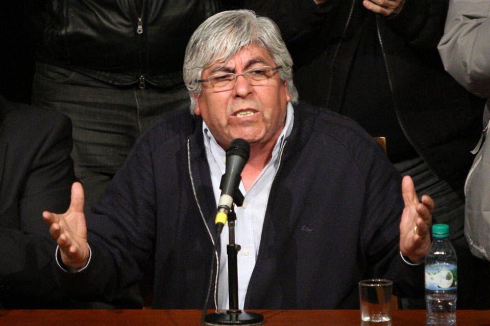 """Hugo Moyano: """"Los aumentos salariales no pueden ser inferiores al 32%"""""""