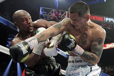 El segundo combate de los dos que perdió el Chino ante Floyd Mayweather