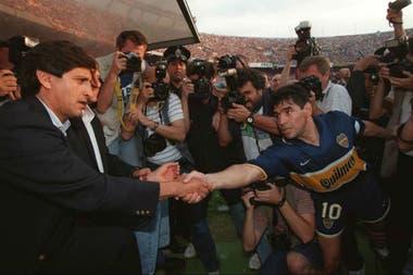 Maradona en su último partido como profesional: triunfo 2-1 de Boca ante River el 25 de octubre de 1997 en el Monumental