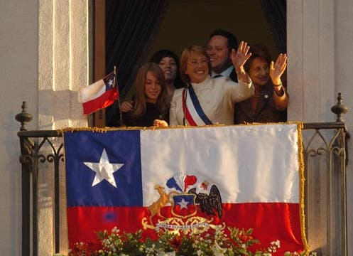 """En cuanto a Bachelet, Forbes indicó que """"completa sus cuatro años de mandato continuando con la promoción del libre comercio y la cooperación"""" económica internacional. Foto: Archivo"""