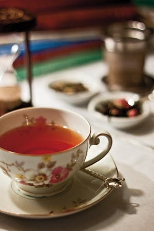 Olvidate de las reglas inglesas y del monopolio de las abuelas. Degustaciones, cursos, sabores infinitos y una cultura que crece alrededor de tazas e infusiones.