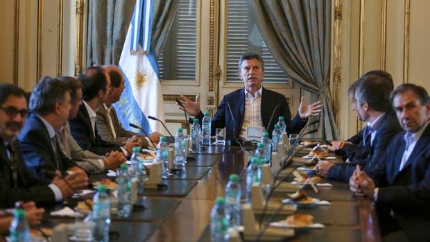 Macri, durante la reunión con la cúpula de la UCR en la que explicó por qué recurrió a un DNU