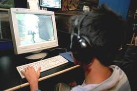 Los softwares disponibles no ofrecen un control total ya que los chicos pueden conectarse en un locutorio o hackear el sistema