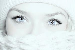 Cómo combatir la flacidez facial y bolsas en los ojos