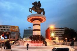 Nimetz logró que los griegos y macedonios se pusieran de acuerdo una sola vez y fue para atacarlo por criticar a Alejandro Magno.
