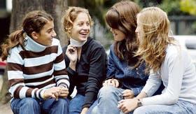 En reunión, por chat o por celular, los chicos manejan sus propios códigos a la hora de comunicarse
