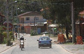 La calle principal de Ferrugem, a metros de la escena del crimen, espera 12.000 turistas para el próximo verano
