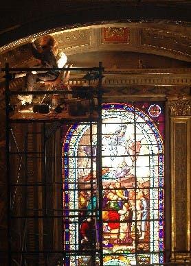 MURALES. Sobre los andamios, se invierten muchas horas para restaurarlos