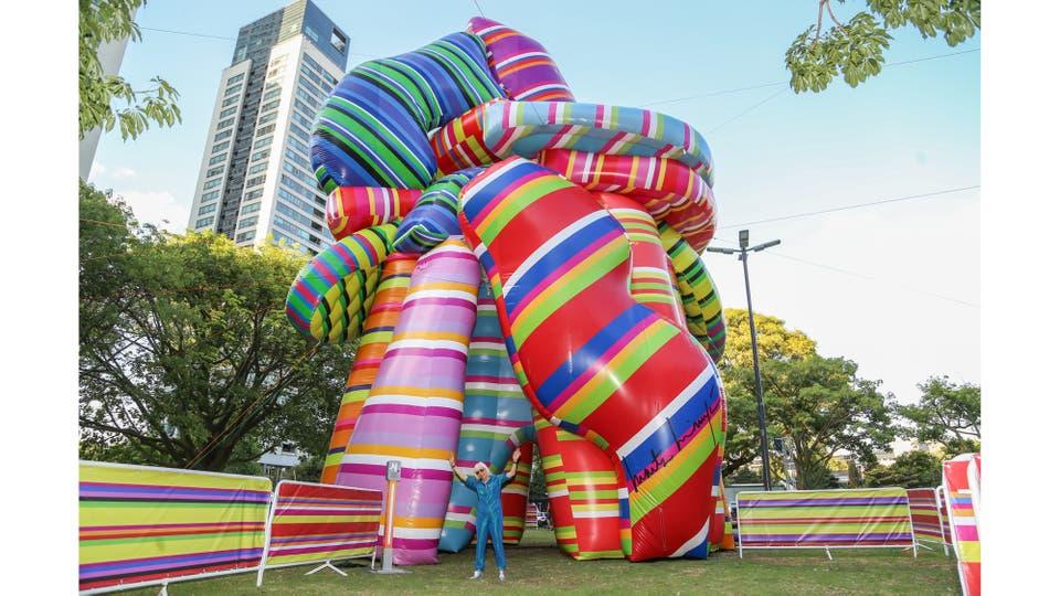 La Escultura de los deseos, de 15 metros de altura