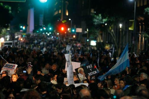 Los manifestantes se aglutinaron en la Plaza de Mayo. Foto: LA NACION / Rodrigo Néspolo