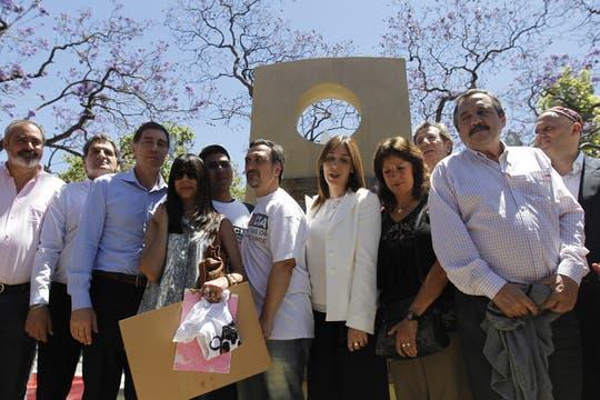 Inauguran un monumento a las víctimas de la tragedia de Once. Foto: DyN