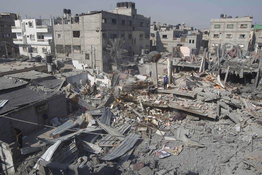 En un comunicado emitido esta madrugada, el brazo armado de Hamas aseguró que no tienen información sobre el oficial israelí. Foto: AFP