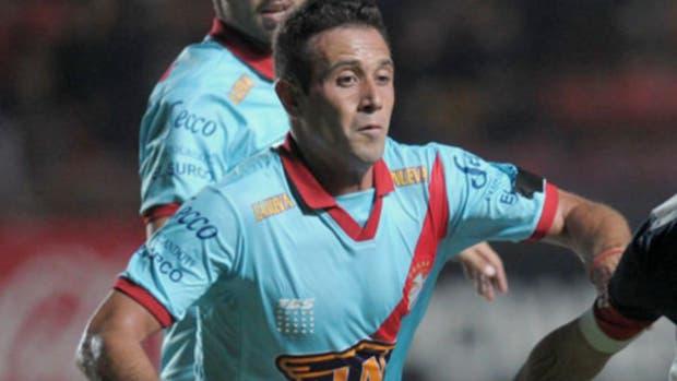 Eugenio Mena jugó en la victoria de Sport Recife