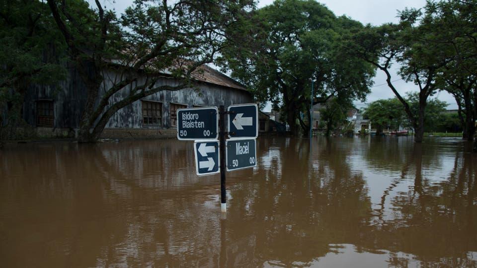 La situación es desesperante y la amenaza de más lluvia agravan el panorama. Foto: LA NACION / Aníbal Greco
