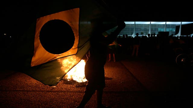 Los manifestantes condenaron la designación de Lula como jefe de Gabinete de Dilma Rousseff