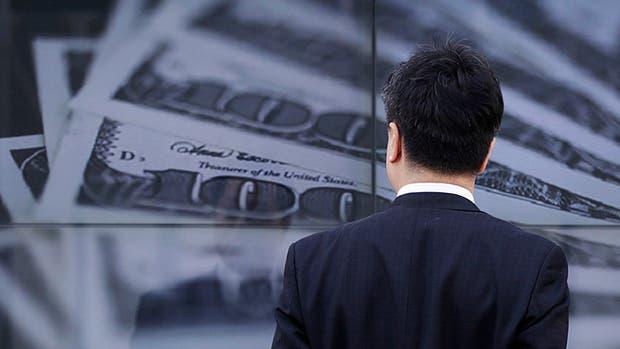 El dólar en el segmento minorista subió siete centavos