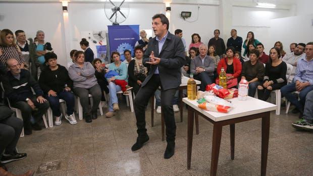 """Massa en La Plata: """"Los precios tienen que bajar para todos, no sólo para los clientes de un Banco"""""""