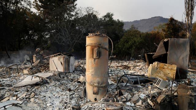 Un termotanque es lo único que quedó en pie luego del incendio