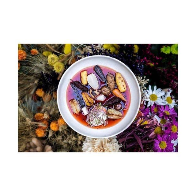 Casa Cavia y uno de sus platos pintorescos / Facebook