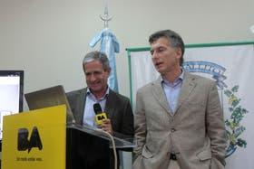 Mauricio Macri (de) junto a Andrés Ibarra (iz), actual responsable de la política de recursos humanos de la Ciudad